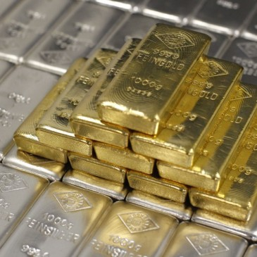 Futures Speculators Pile On Short Positions In Precious Metals