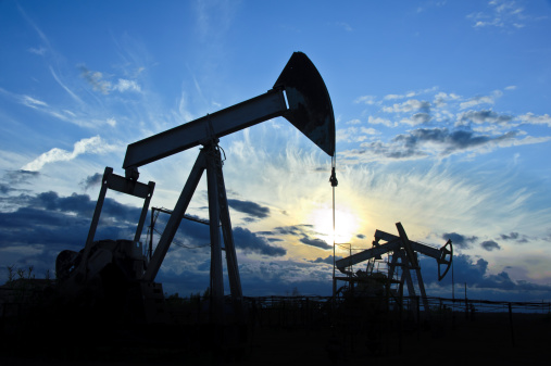 Oil Stocks Break Support; Poised For More Downside Into Year End